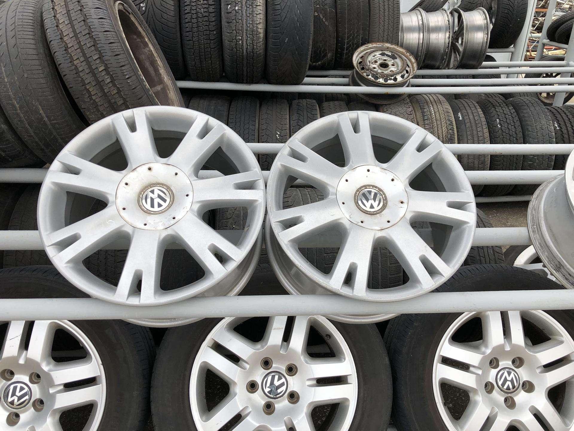 VW TOUAREG 2006m Orginalūs Ratlankiai  50 € / vnt